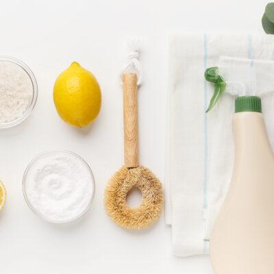 DIY All-Natural Cleaners – Vinegar & Baking Soda